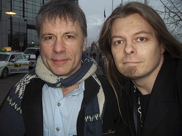 Peter Ahlborg träffar sin stora idol Bruce Dickinson efter att han hållit en föreläsning i Göteborg 2013. (Arkivbild)